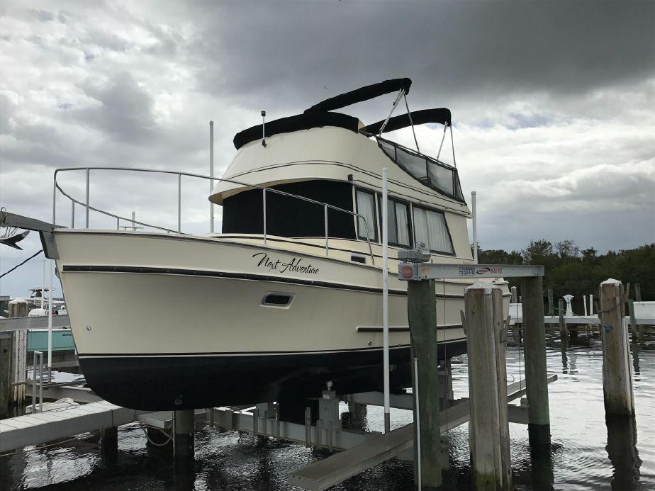 2007 Camano Trawler New